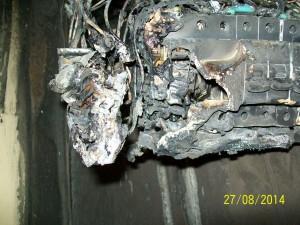 zdjęcie spalonych zabezpieczeń elektrycznych