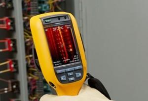 pomiar tablicy bezpiecznikowej kamerą termowizyjną